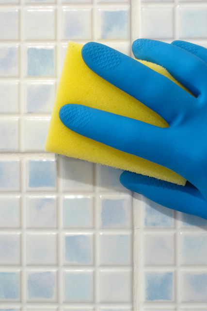 Cómo eliminar la cal de tus azulejos