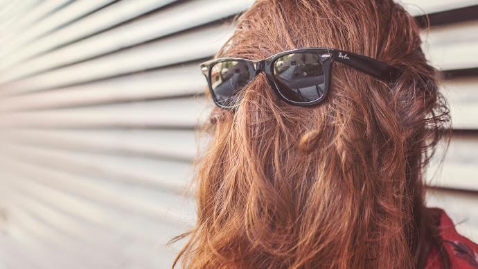 Wallpaper: Red Hair and Ray-Ban Sunglasses
