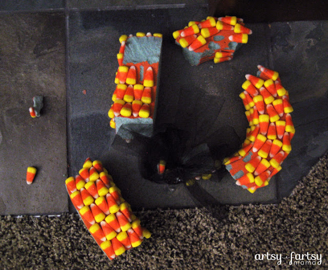 Candy Corn Wreath Fail at artsyfartsymama.com #Halloween #wreath