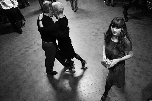 Tanguera che non balla in milonga