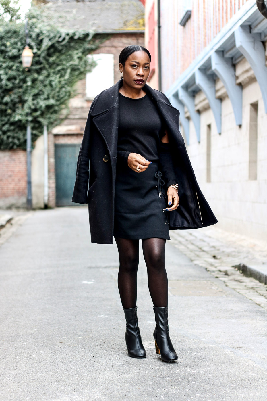 tenue-chic-en-total-look-noir