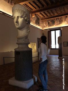 Palácio Altemps, Museu de Roma, interior com mega busto romano