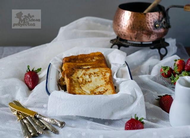 tostadas-francesas-rellenas-fresas-platano2