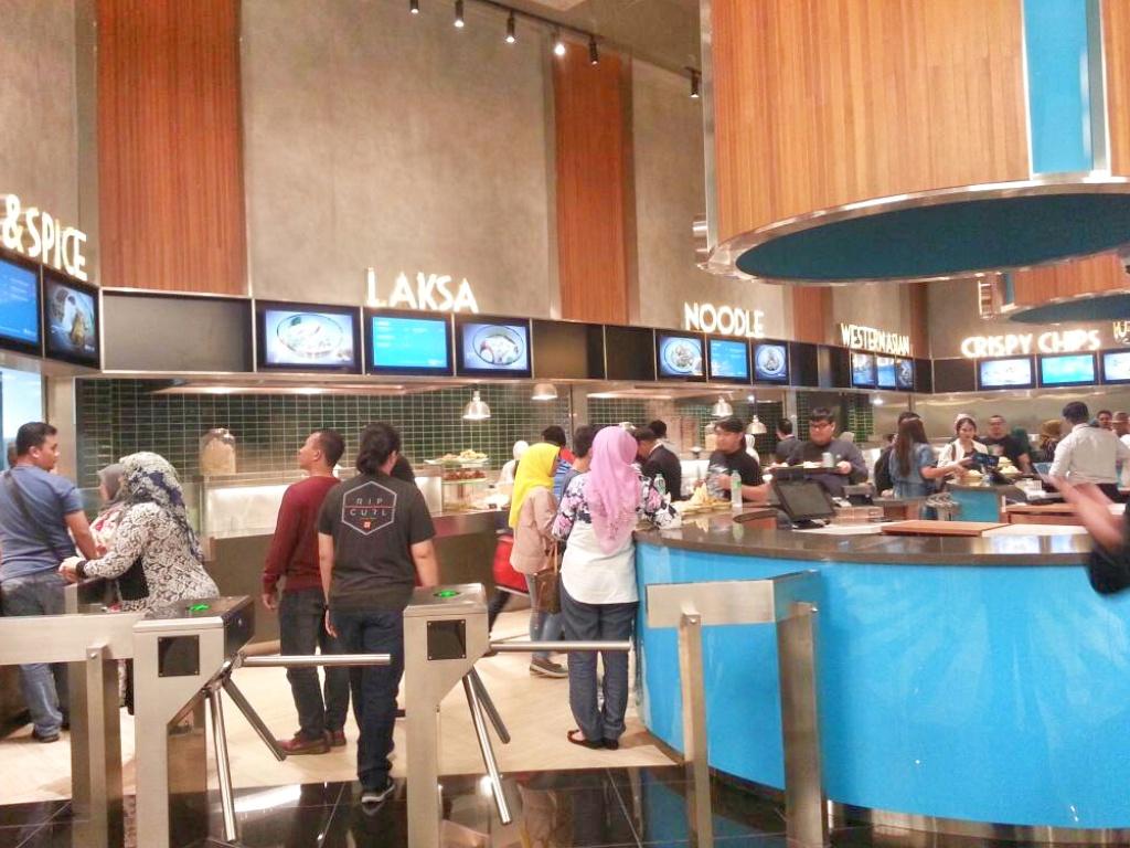 Makan-makan di  Medan Selera Sky Avenue Resorts World Genting