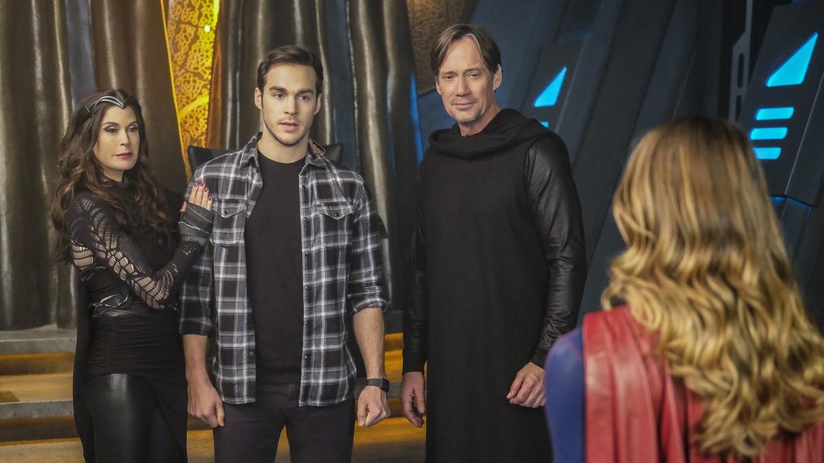 Supergirl descubriendo la verdadera identidad de Mon-El, príncipe heredero de Daxam