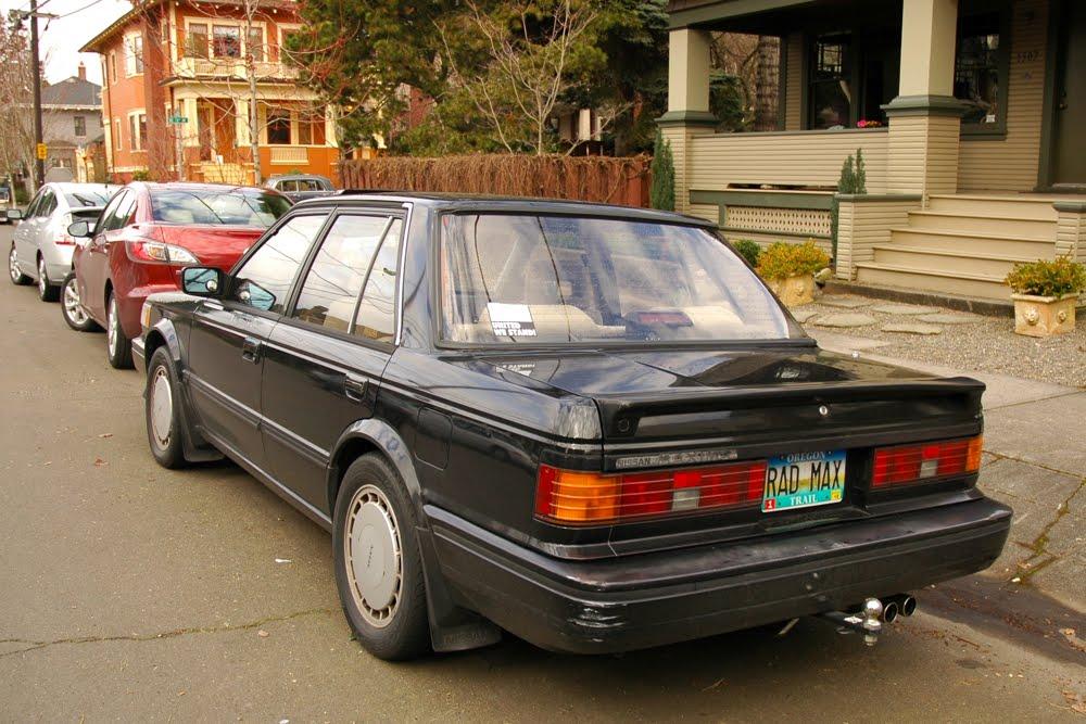 OLD PARKED CARS.: Saturday Bonus: 1988 Nissan Maxima.