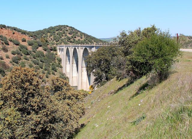 Viaducto de Azután