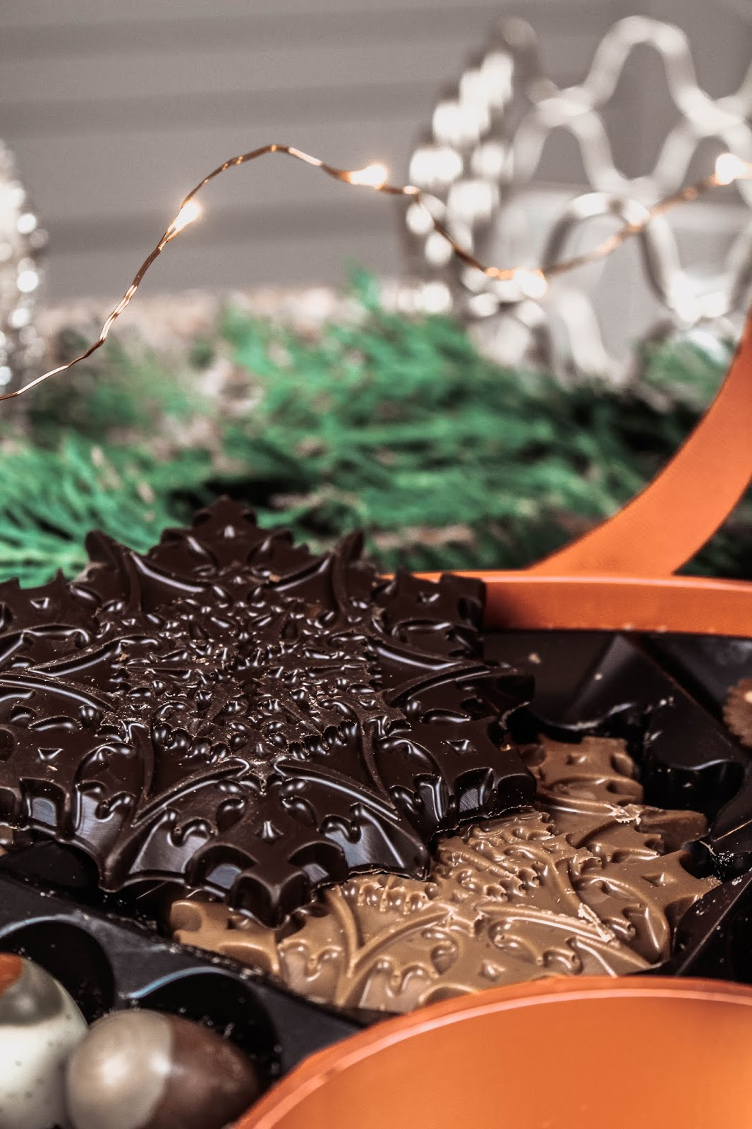Hotel Chocolat Christmas Dark Chocolate Caramel Snowflakes