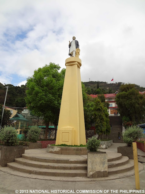 Sari-saring Monumento Alay Kay Rizal Plaza Bontoc