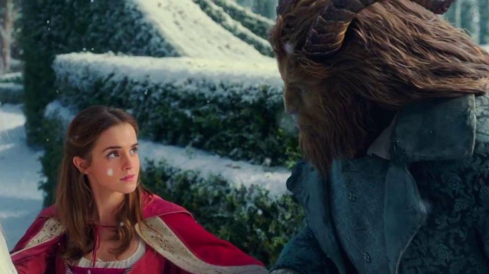 "Emma Watson e Dan Stevens no mágico trailer completo e ""A Bela e a Fera"""