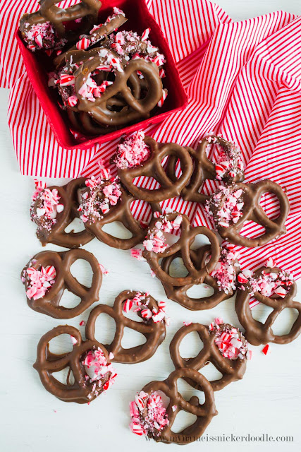 Chocolate Peppermint Pretzels  |  mynameissnickerdoodle.com