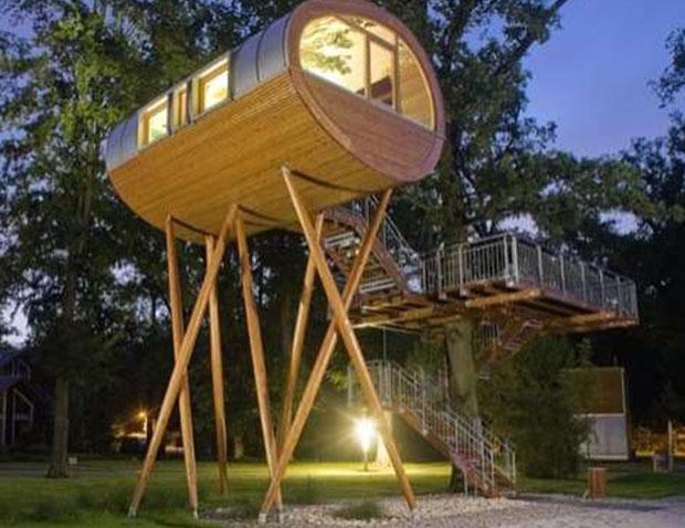 DIY%2BLuxury%2BTree%2BHouses%2B%25287%2529 10 DIY Luxury Tree Houses Interior