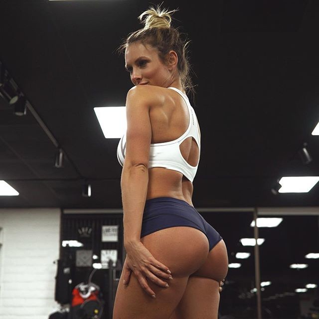 Fitness Model Paige Hathaway photos