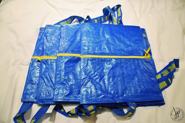 blue shopping bag with zipper
