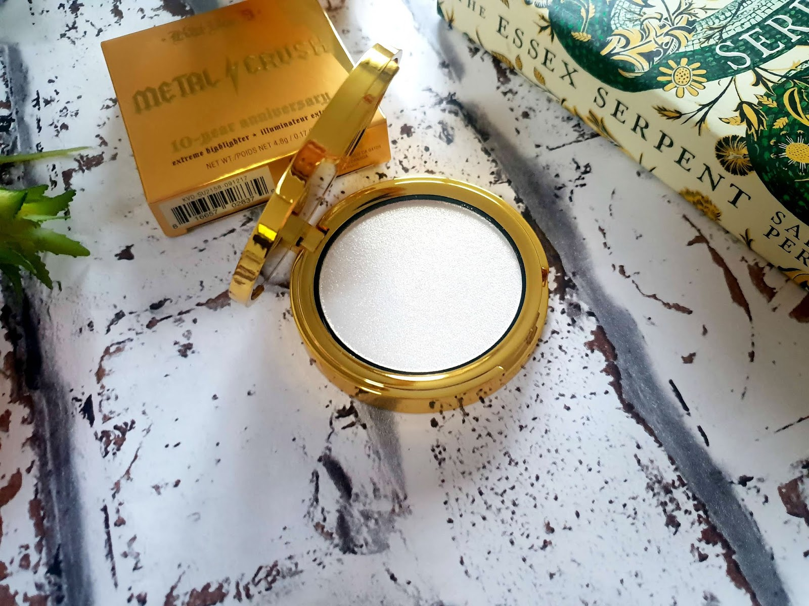 kat von d gold skool metal crush highlighter review