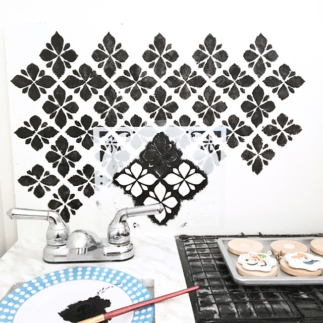 DIY-play-kitchen-remodel-harlow-and-thistle-stencil