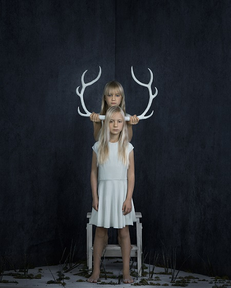"foto por Kristina Varaksina, ""You are my Twin"", serie | imagenes creativas artisticas bonitas"
