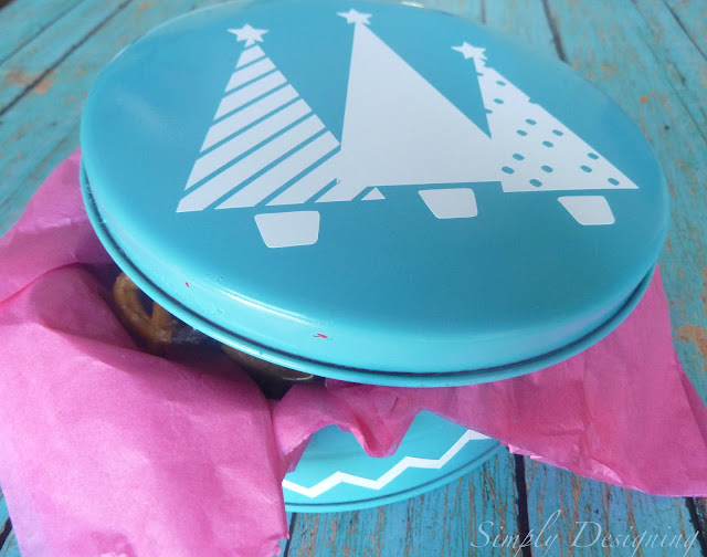holiday tin 01a Up-Cycled Holiday Goodie Tin 5