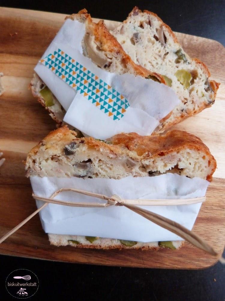 Festival De Cakes Oder Herzhafter Kuchen Mit Thunfisch Cornichons