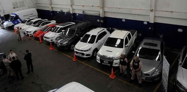 Parte de carros de alta gama sequestrados a narcotraficantes em Santa Fé, Argentina