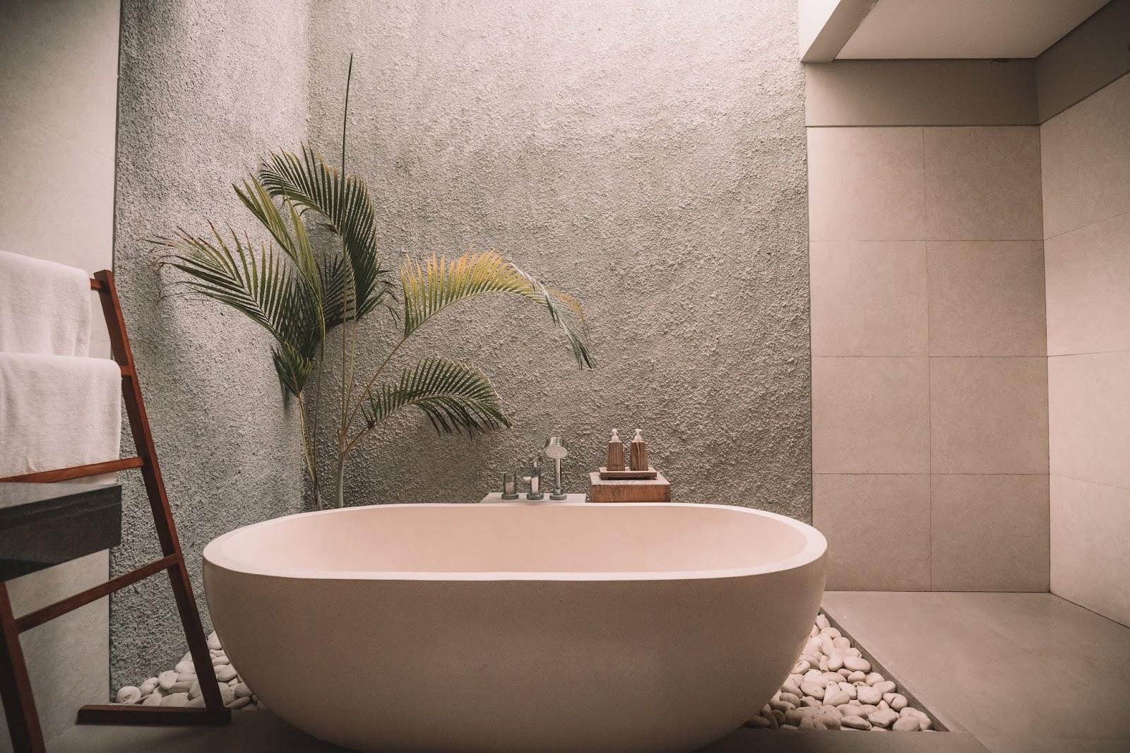 Czy umywalka nablatowa w łazience to dobry pomysł?