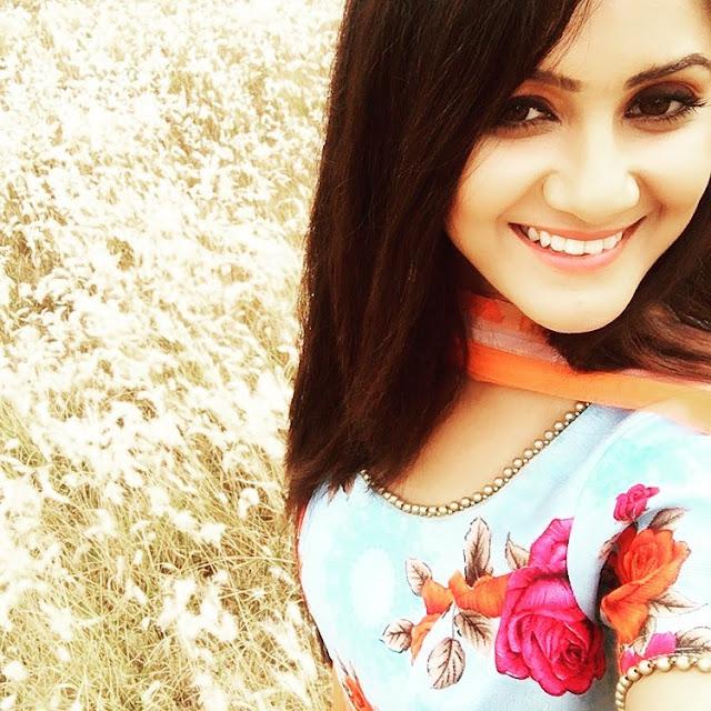 Trina Saha Star Jalsha Serial Khokababu Selfie