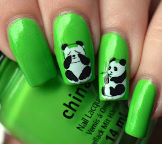 http://lenas-sofa.blogspot.de/2016/06/china-glaze-kicks-entourage.html