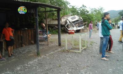 Caminhão avança sobre ponto de ônibus e atropela e mata 4 pessoas em Iguape