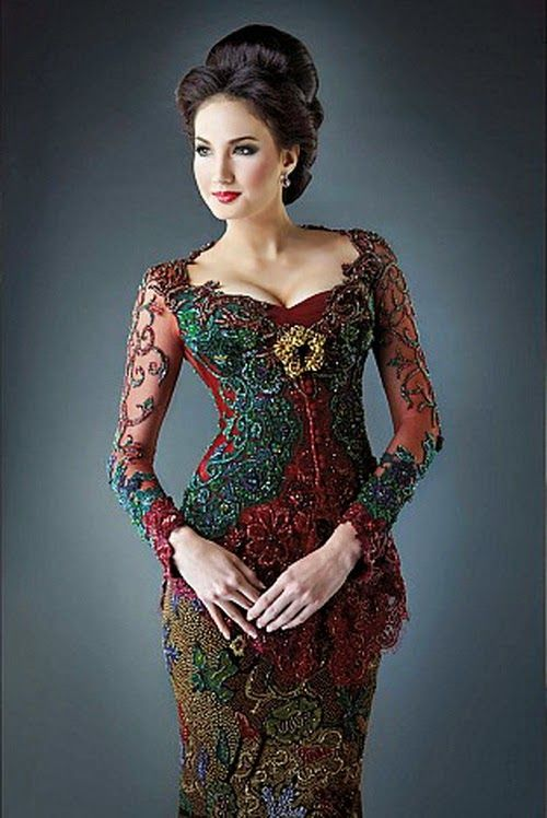 Kebaya Modern Elegan