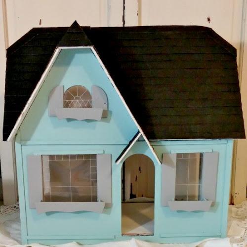The Littlest Vintage Cottage - Dollhouse Exterior Makeover