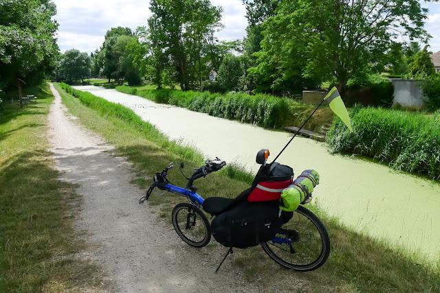 De Paris à Angers par la Loire à vélo, canal d'Orléans