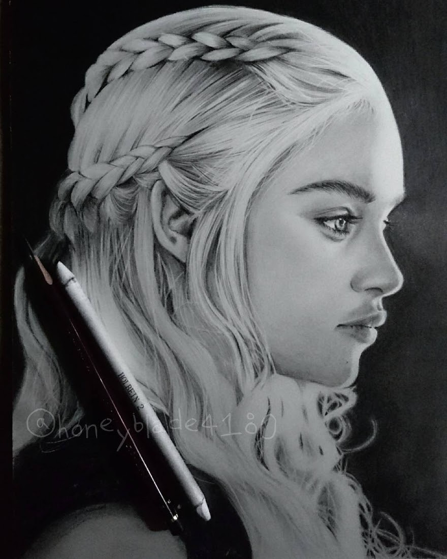 05-Emilia-Clarke-Daenerys-Targaryen-GoT-YU Pencil-Portrait-Drawings-of-Celebrities-and-Non-www-designstack-co