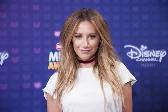 Ashley Tisdale hizo un cover de 'Still Into You' de  Paramore