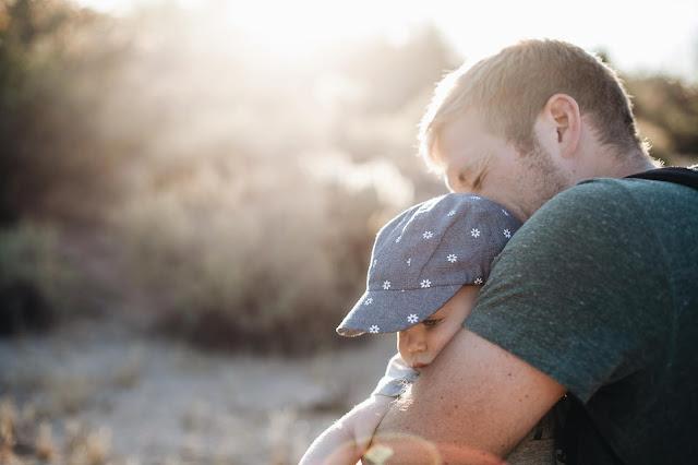 Prezenty na Dzień Ojca - 3 praktyczne upominki idealne dla każdego mężczyzny