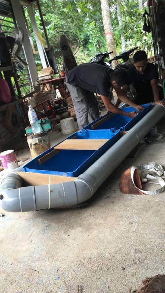 Perahu Diperbuat Daripada Paip