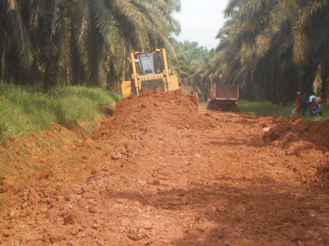 Jalan Penghubung Desa Suka Mukti & Sungai Sodong Mulai Diperbaiki