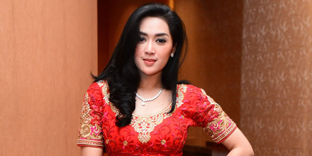 Tiara Dewi Syahrini KW
