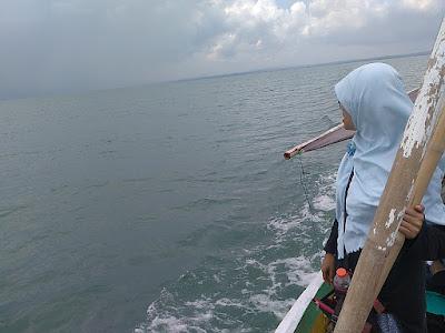 Perahu menuju Gili Labak