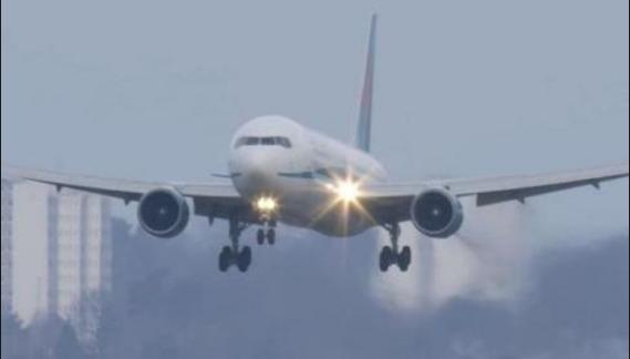 في مطار القاهرة : طيار ينقذ أكثر من 100 مسافر من كارثة