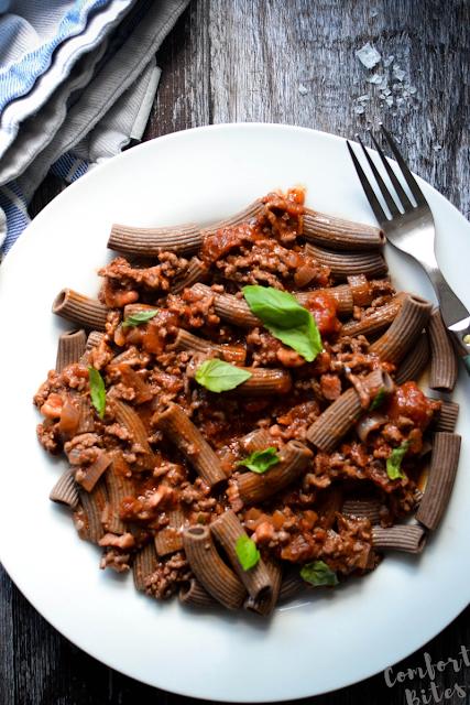 paleo spaghetti bolognese flaxseed pasta