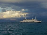 Jadrolinija trajekti Split - Supetar slike otok Brač Online