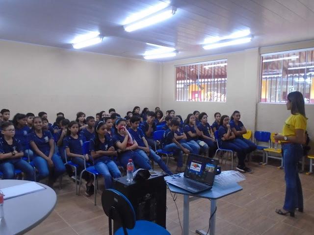 Maio Amarelo: 1ª Ciretran realiza palestras educativas para alunos