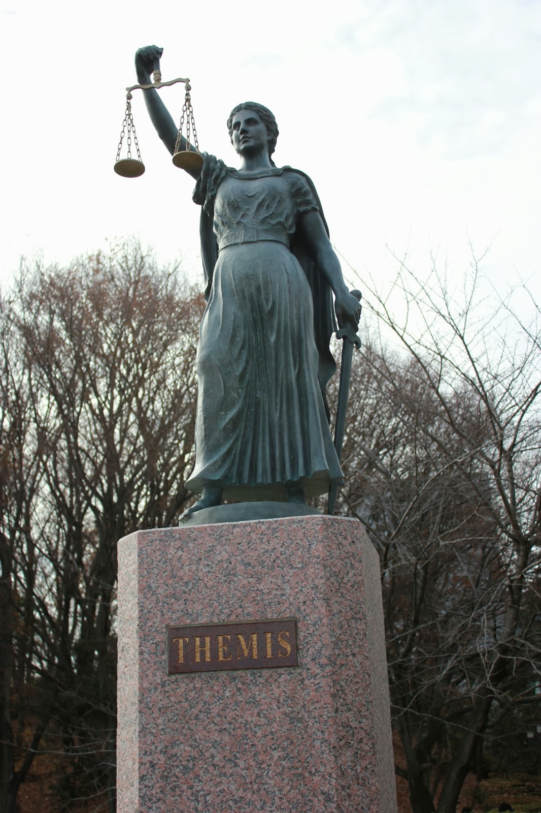 Themis_Statue