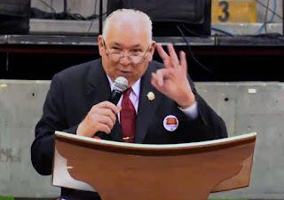 A juicio Pastor por predicar en contra de los homosexuales
