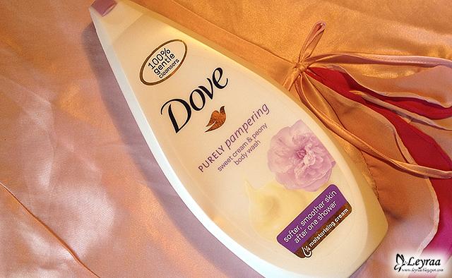 Dove, żel pod prysznic, Purely Pampering Słodka Śmietanka i Piwonia