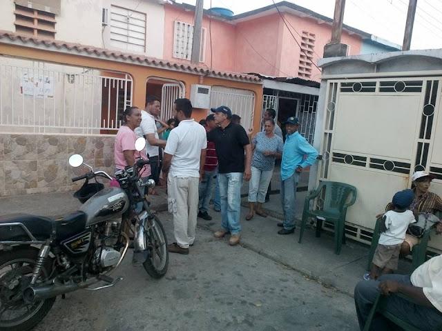Tulio Pérez y su equipo de Independientes por el Progreso visitaron comunidades en San Fernando.