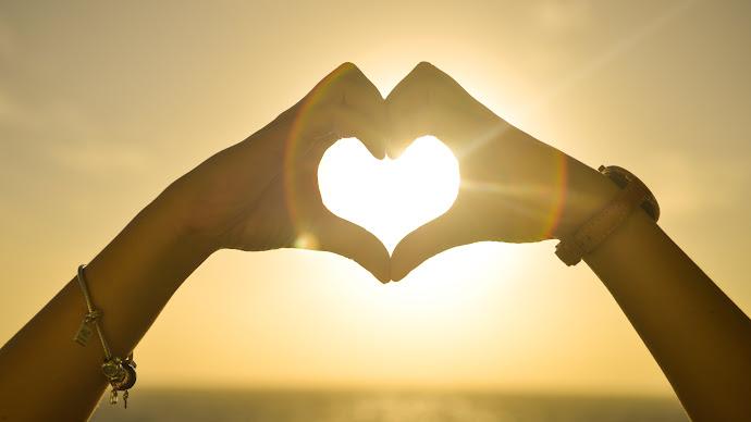 Wallpaper: Bestows love on Valentine Day