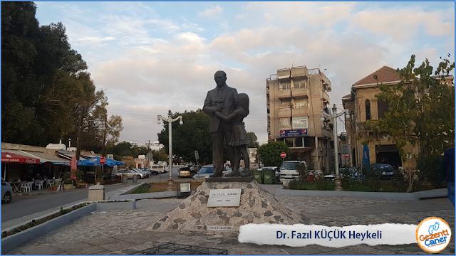 Dr-Fazil-Kucuk-Heykeli