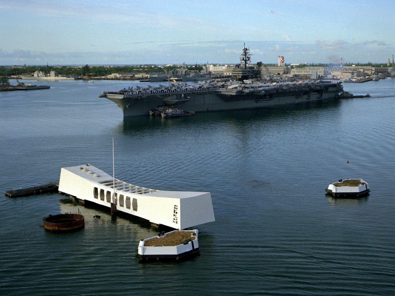 Navy Reads