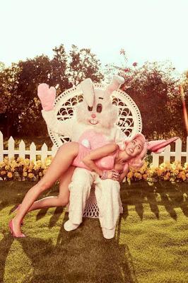 Miley Cyrus y su galería de fotos para Pascuas